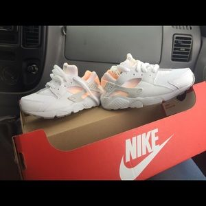 Nike hierarchies kids shoes size 12
